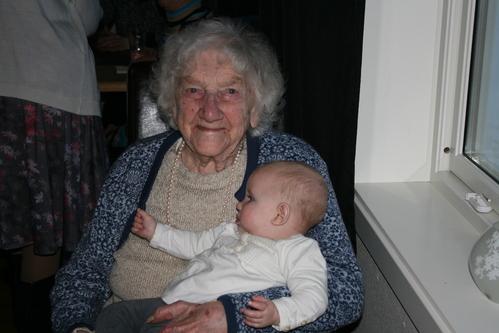 Agnes Selvnes og Frida Lystad   031