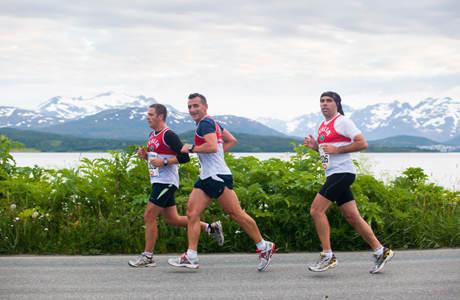 27.06.2011: Midnight Sun Marathon i Tromsø. Foto: Marius Fiskum / www.mariusfiskum.no