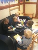 Samlingsstund av barn