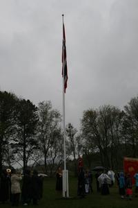 Flaggheising ved Lysheim skole