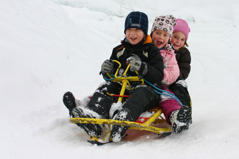 Kjelkekjøring barn