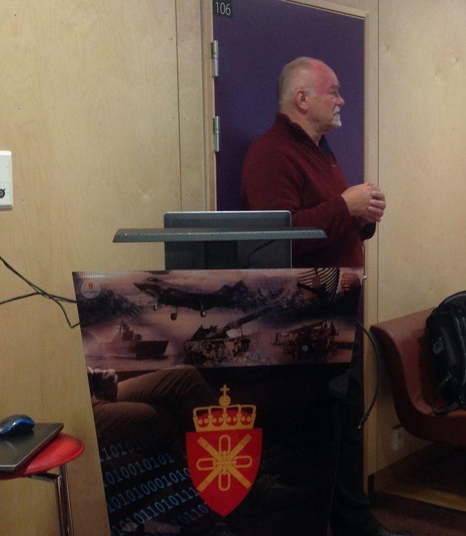 Jan Erik Svensson holder innlegg på Lillehammer næringsforum