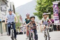 Syklister i Lillehammer. Foto: Kirsti Hovde