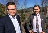 Komiteleder Even Aleksander Hagen, Oppland, og fylkesråd Lasse Juliussen, Hedmark, la fram saken om bioøkonomistrategi for Innlandet under felles fylkesting i Øyer den 23. april 2015.