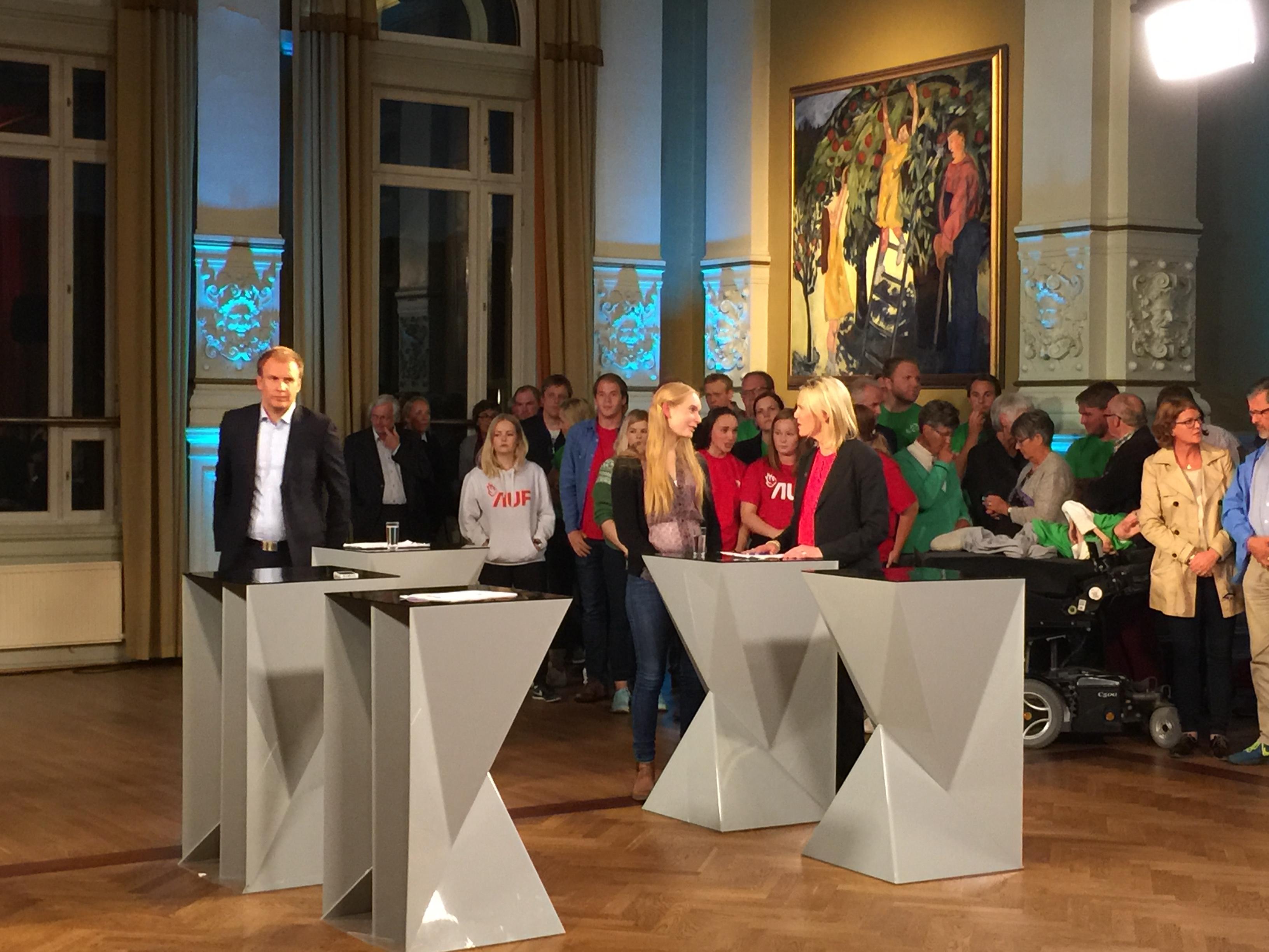 NRK Valgevent 20151107.JPG