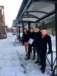 Fra venstre: Fredrik Frisenberg i Lillehammer næringsforening, fylkesordfører Even Aleksander Hagen, avdelingsdirektør Cato Løkken i Statens vegvesen og ordfører i Lillehammer, Espen Granberg Johnsen.