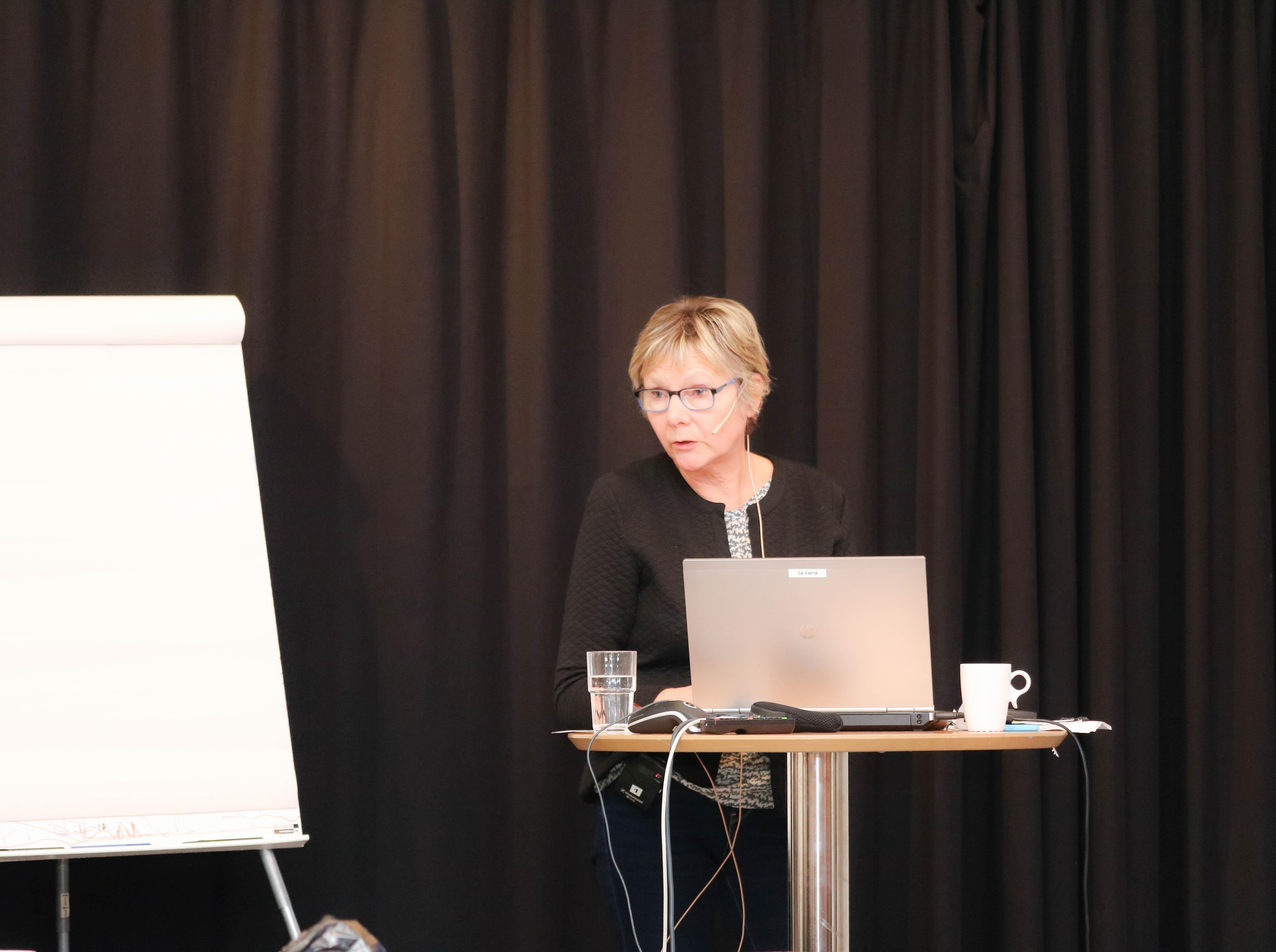 Else Marie Svingen holder innlegg.