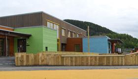 Forside av prosjektrapport for Sandfjæra barnehage