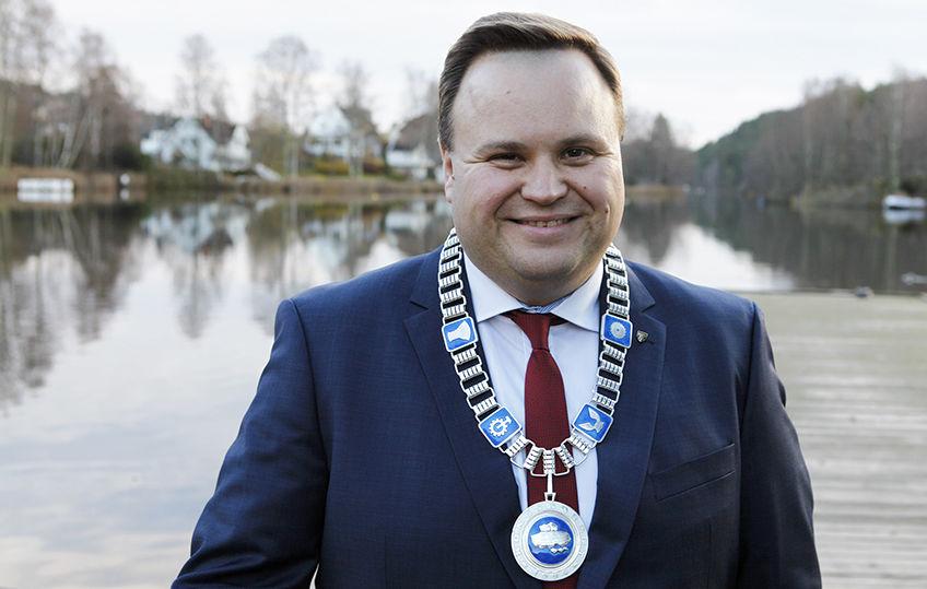 Ordfører Thomas Sjøvold ved Kolbotnvannet