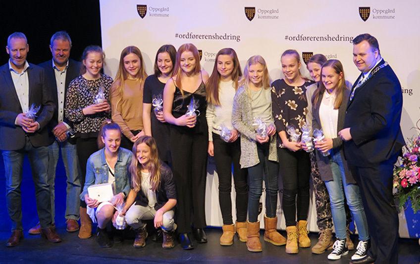 Kolbotn IL Jenter 13 ble hedret i fjor for sin seier i Norway cup.