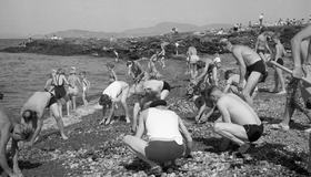 Strandrydding på Vikhammerløkka - 1953