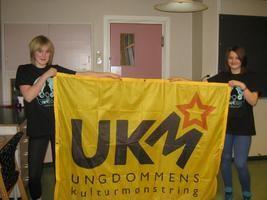 Ylva Øyen Brandtsegg og Ida Vesterheim Haugum fra UKM-komiteen