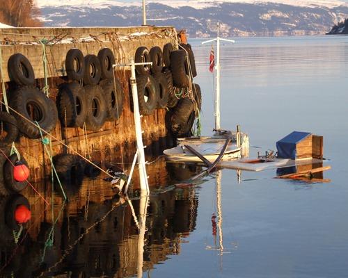 Sunket båt i Kjerringvika