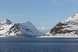 Haugnes mot Langfjorden. Foto: Jon Haugen
