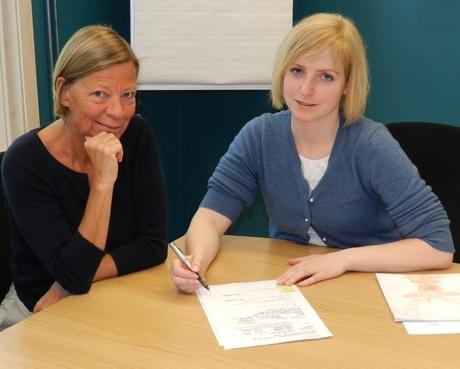 Kunstkonsulent Tone Saastad og ordfører Ida Stuberg