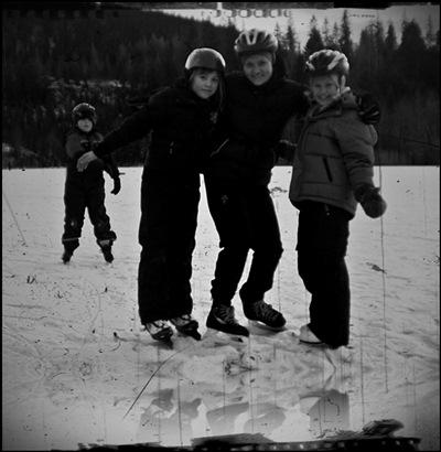 På isen med skøyter