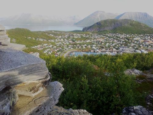 Bilde av Skjervøy tettsted sett ovenfra / avstand