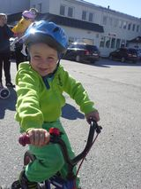 Gutt på sykkel