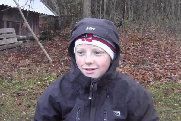 Sander Ø. H. i kokebok i det fri
