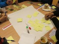 Gruppearbeid med gule lapper, kommuneplanens samfunnsdel