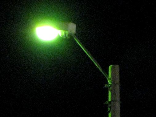 Gatelys i mørket