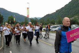 Frå opptoget under Førdefestivalen