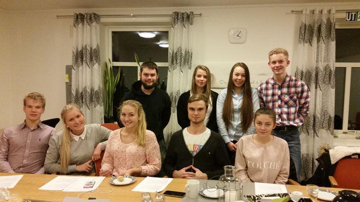 Gamle og nye medlemmer i Inderøy Ungdomsråd. Foto: Hege Ness Larsen