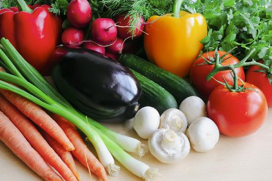 illustrasjon til kosthold. Bilde av friske grønnsaker