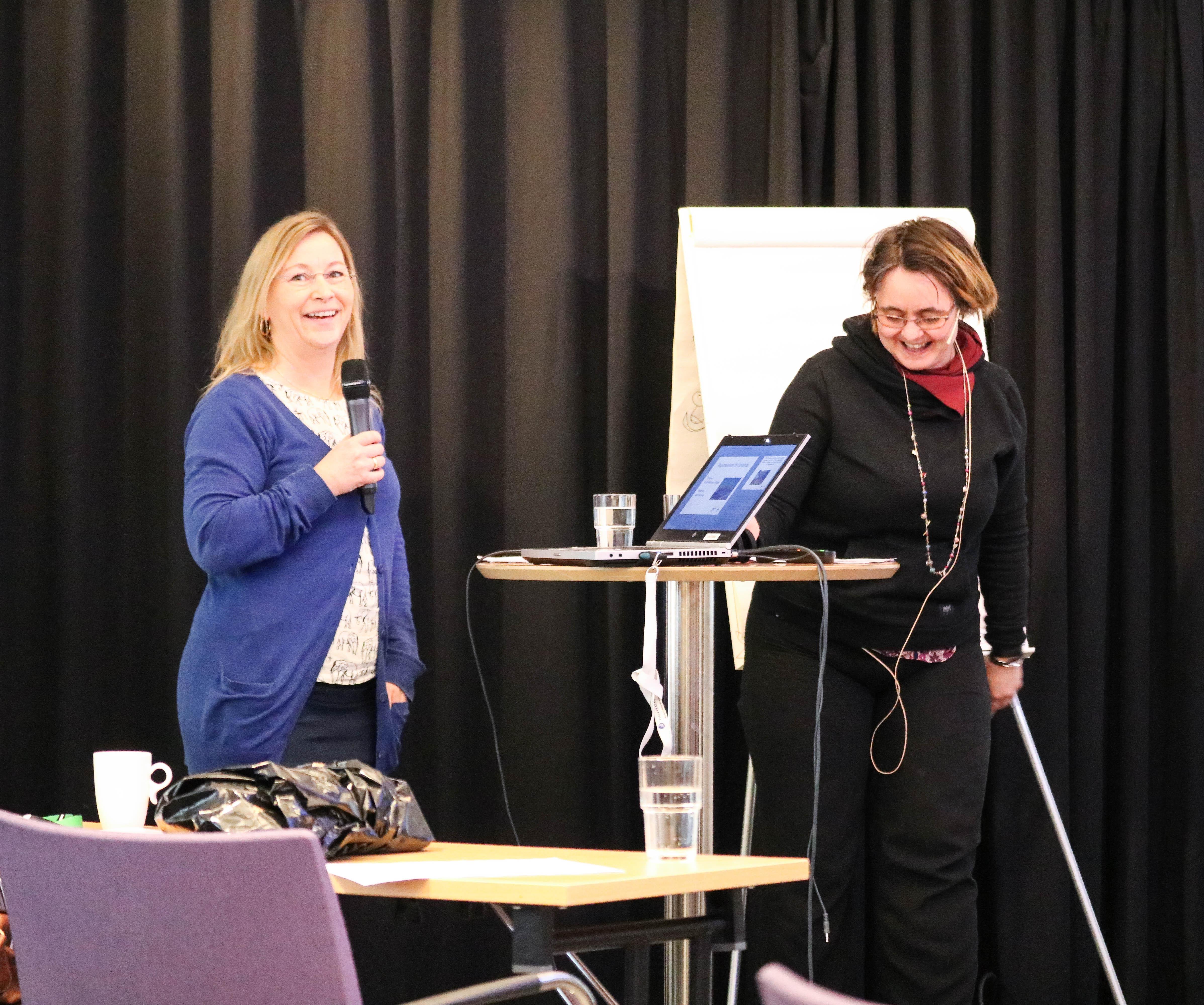 Bodil B. Olufsen og Ane Dalhaug holder felles innlegg.