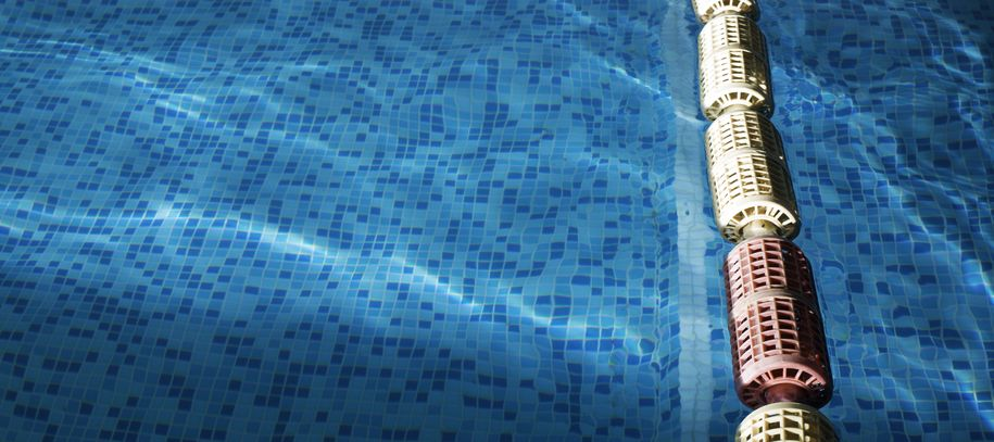 Bilde av svømmeline i basseng