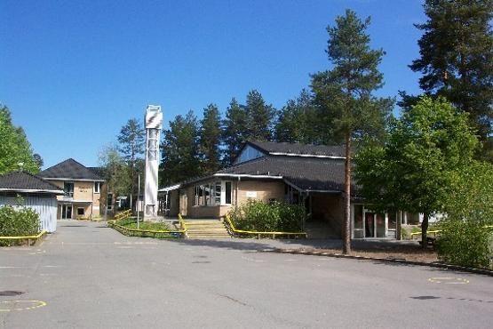 Bildet viser Tårnåsen skole sett fra syd