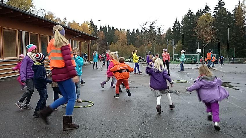 Bilde: Lek i skolegården