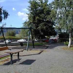 Lekeplassutstyr, huske, Jernbaneparken