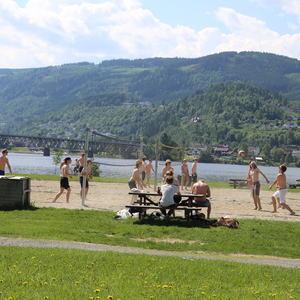 Volleyballspill på Strandpromenaden