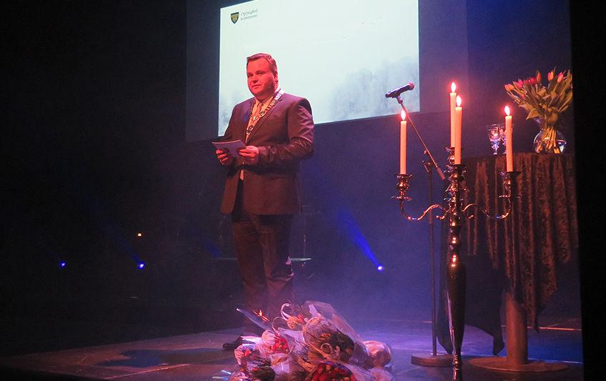 Bildet viser ordfører Thomas Sjøvold under en tidligere utdeling av frivillighetsprisen