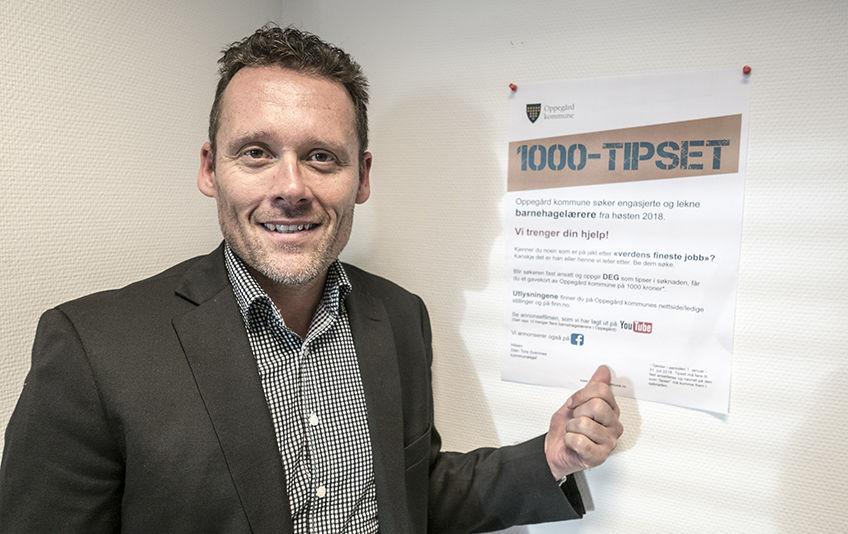 Barnehagelærere. Kommunalsjef Sten Tore Svennes gir bort et gavekort på 1000 kroner for hvert tips, som ender med fast ansettelse (foto: Jan Walbeck)