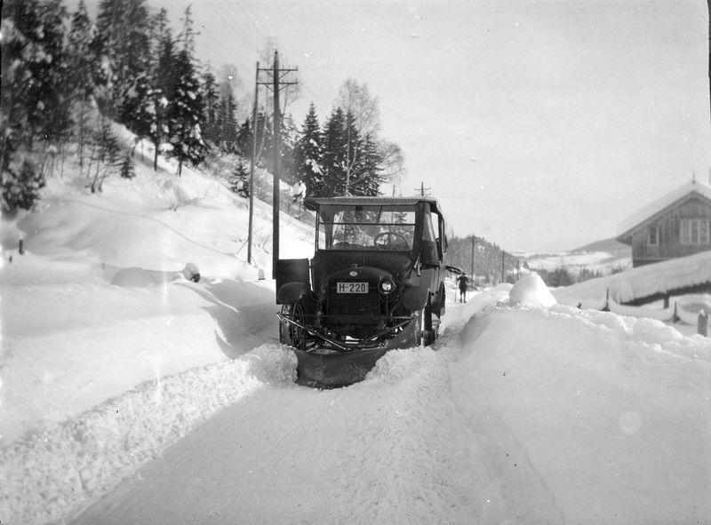 Brøitning av veien Sauland-Notodden. Febr.1926