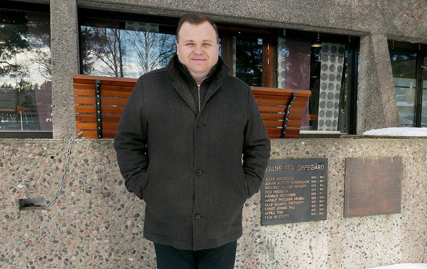 Ordfører Thomas Sjøvold inviterer 8. mai veteraner til en markering og kransenedleggelse foran Oppegård rådhus kl. 09.00. Alle er velkomne til å hedre våre veteraner. (Foto: Jan Walbeck)