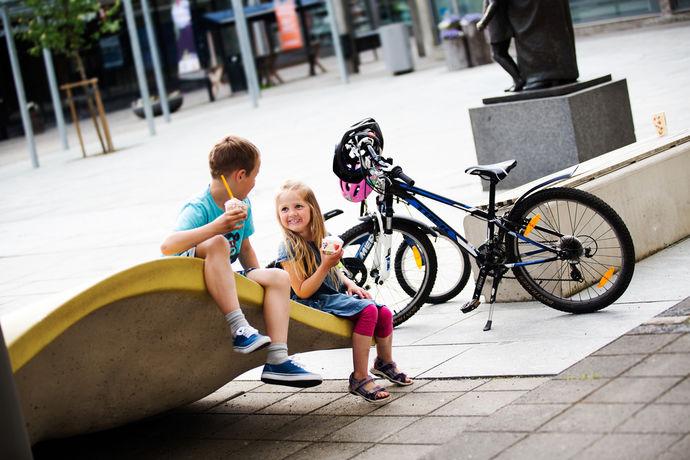 Barn sykkel Sigrid Undsets plass