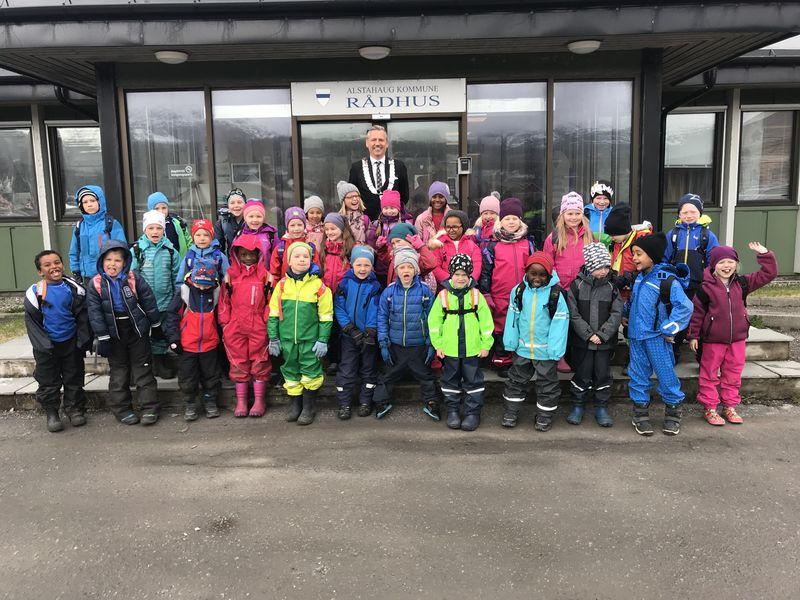 Besøk av første klasse, Bjarnetjønna skole