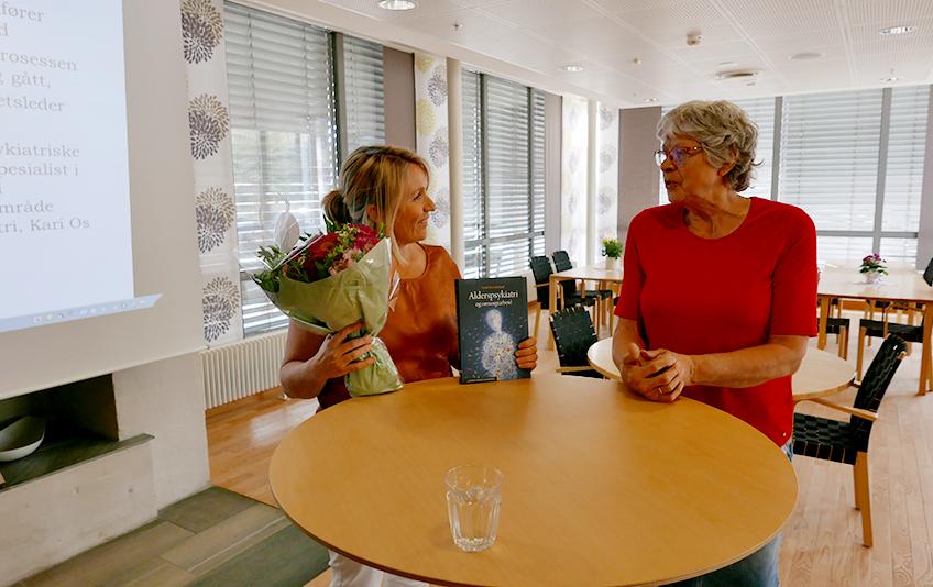 Åpning av psykiatrisk avdeling Greverud sykehjem Vibeke og Kari.jpg