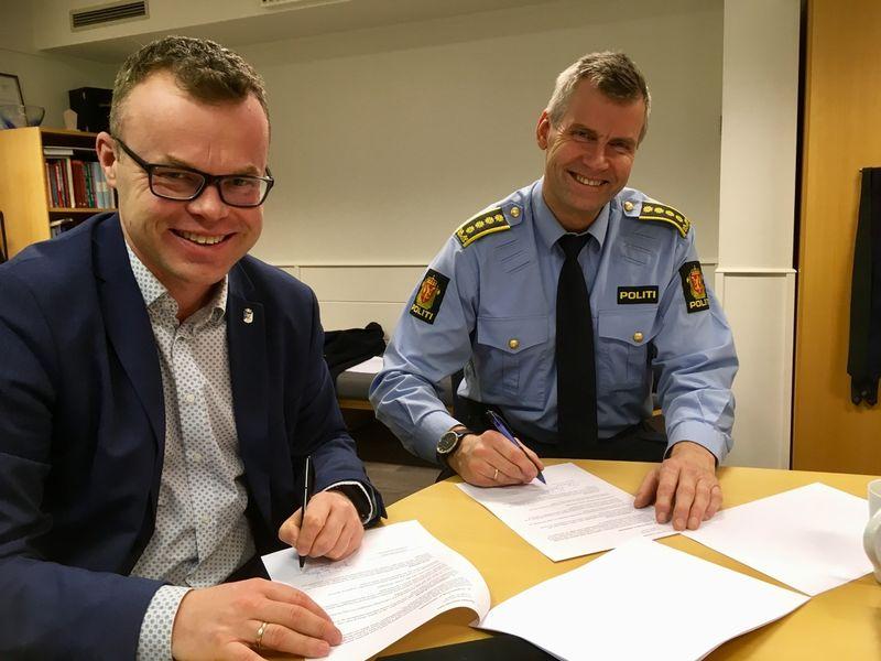 avtale, politi
