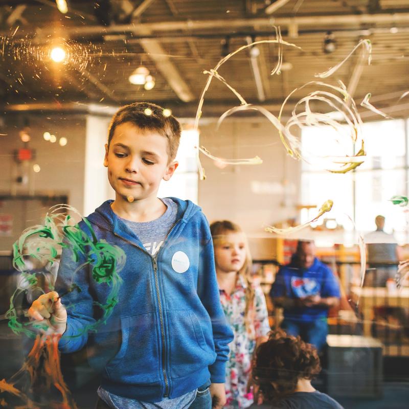 Kunstworkshop barn - nettsidebilde