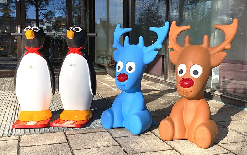 Isfigurer som du kan låne i BUA når du skal lære å gå på skøyter, to pingviner og to reinsdyr