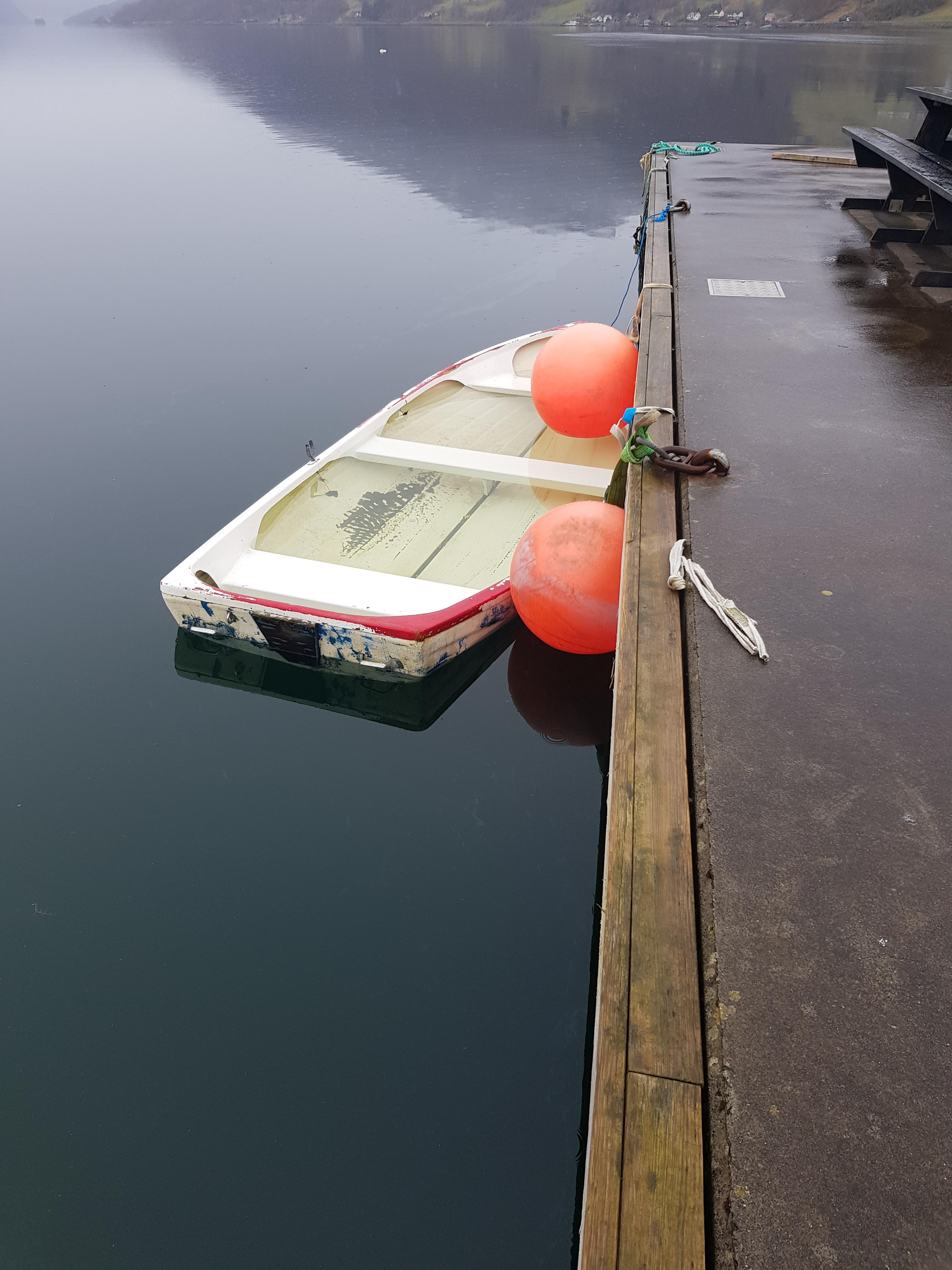 Båt på rek1.jpg