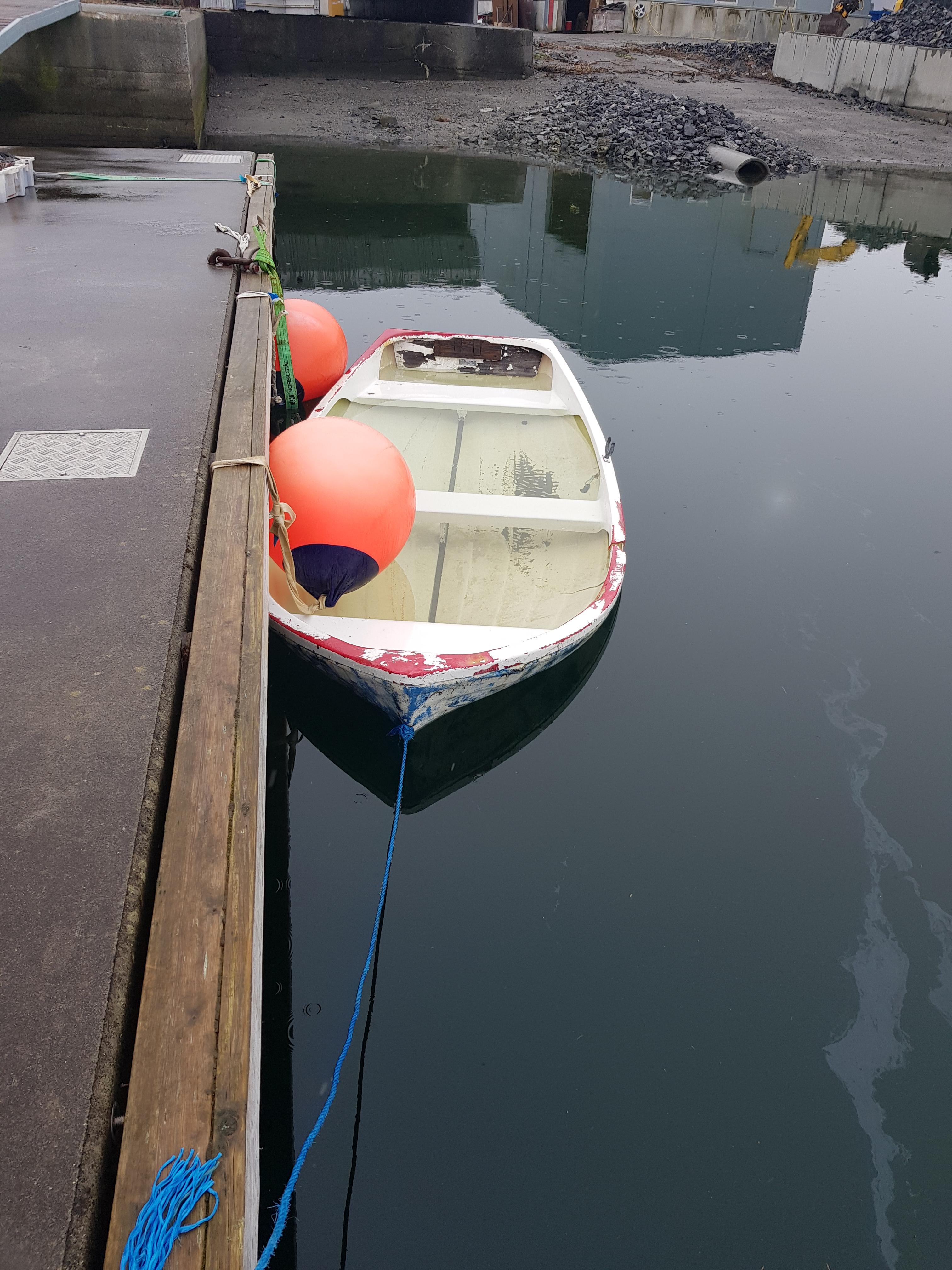Båt på rek2.jpg