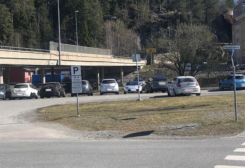 Biler parkering Kapellveien