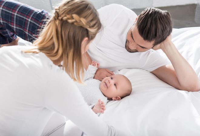Baby og foreldre
