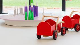 Illustrasjonsbilde av barnehage med leker.