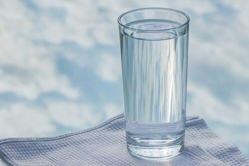 Glass med vann